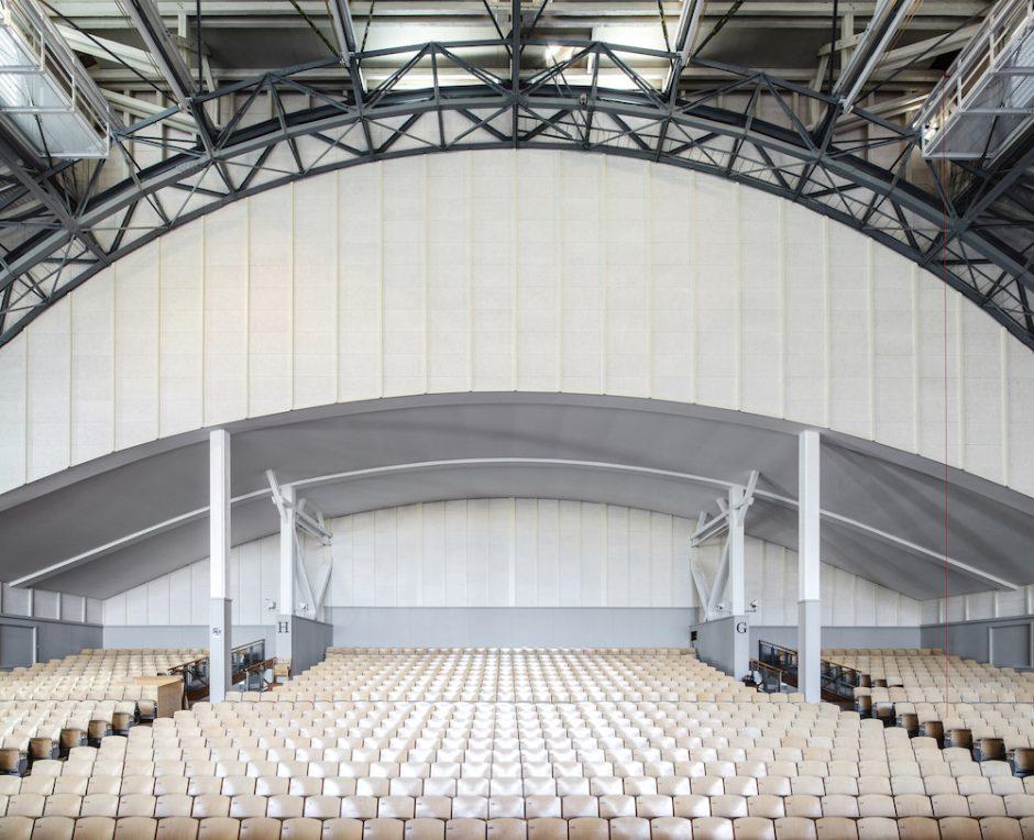 Rückwand Zuschauerhalle. Foto: Markus Dobmeier, München
